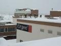Am 04.01.2006  Auch in Schrems waren die Feuerwehren den ganzen Tag im Einsatz um Dächer von den Schneelasten zu befreien. Bei der Firma Ergee waren ca. 6000 Quadratmeter weg zuschaufeln.
